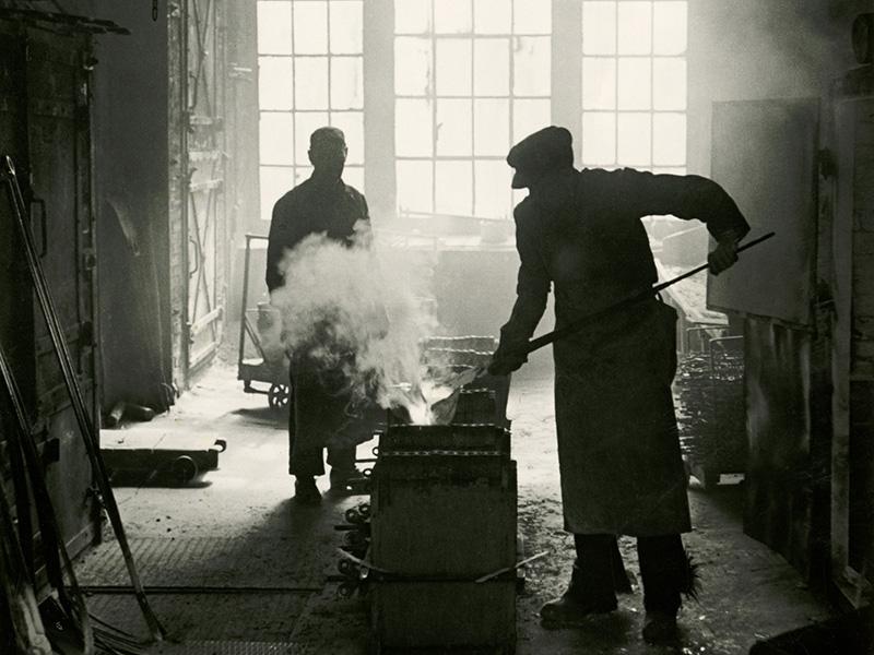 1805: Auf dem Oberbregenbachhof bei Furtwangen betreiben drei Siedle-Generationen die Gießerei von Glocken und Uhrenteilen.